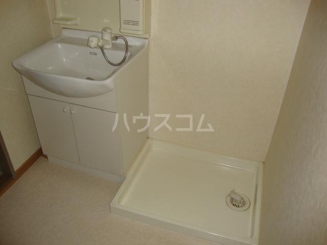 カームf本郷 102号室の洗面所