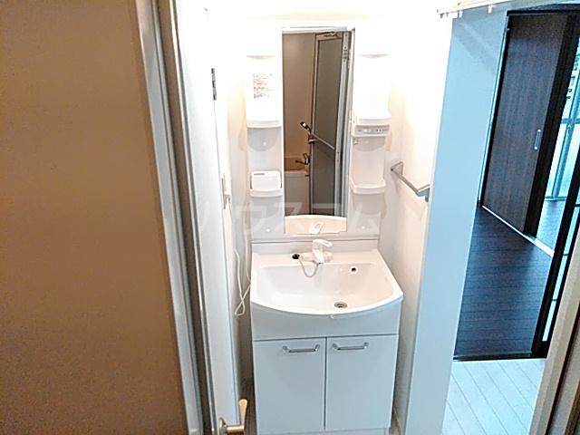 第二守牧ビル 407号室の洗面所