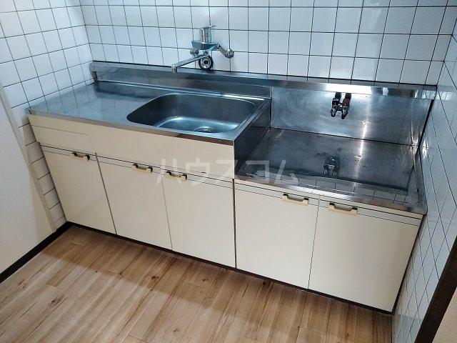 メゾンド栄Ⅱ 3-B号室のキッチン