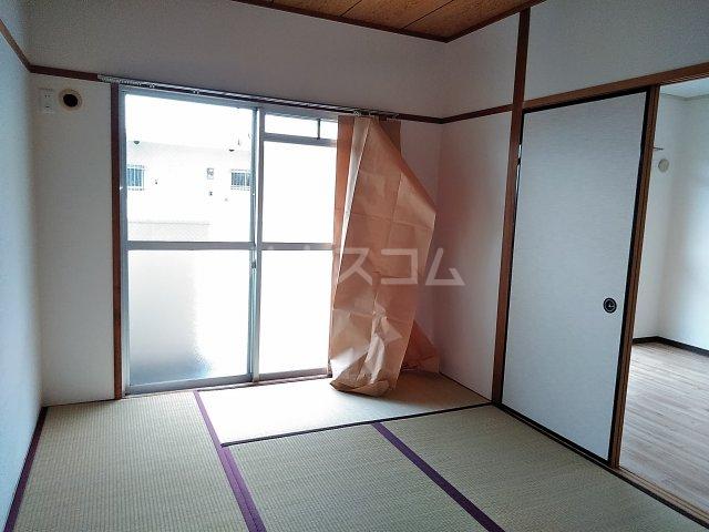 メゾンド栄Ⅱ 3-B号室の居室