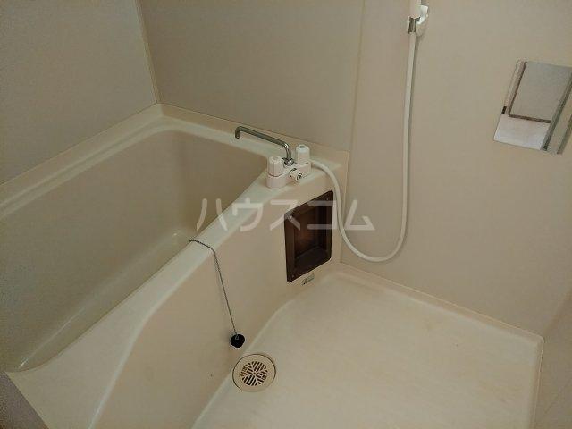 メゾンド栄Ⅱ 3-B号室の風呂