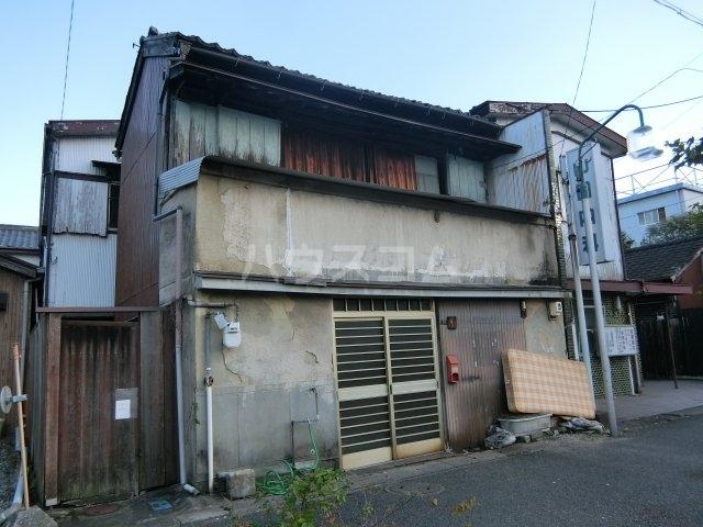 昭和レトロガレージ元町の外観
