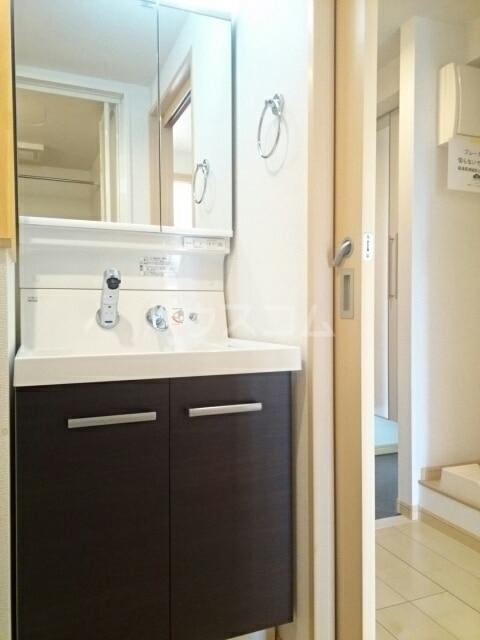 トレス中田 04020号室の洗面所