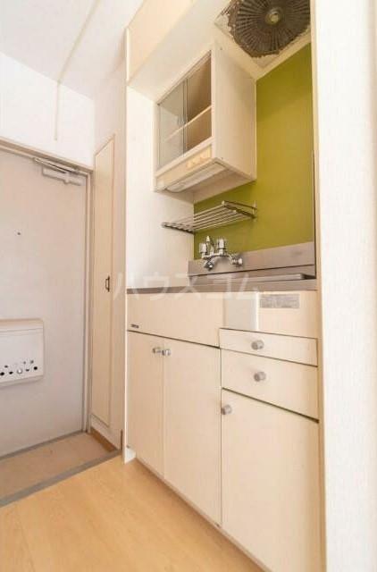 トップ横浜蒔田 301号室のキッチン