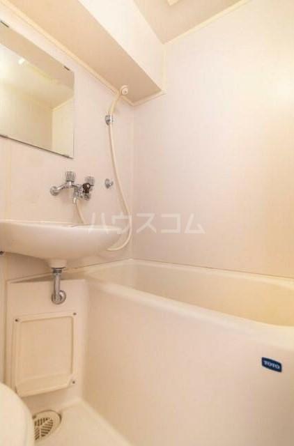 トップ横浜蒔田 301号室の風呂