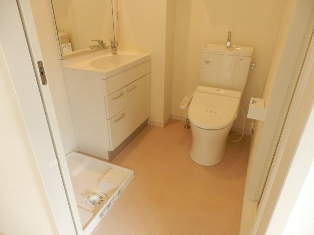 セレーノコート蒲田 102号室のトイレ
