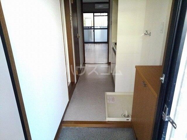 ヴィクトワール 01020号室のバルコニー