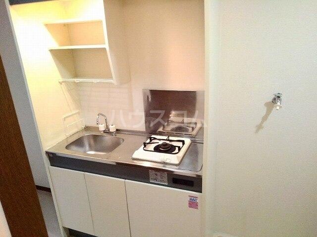 ヴィクトワール 01020号室のキッチン