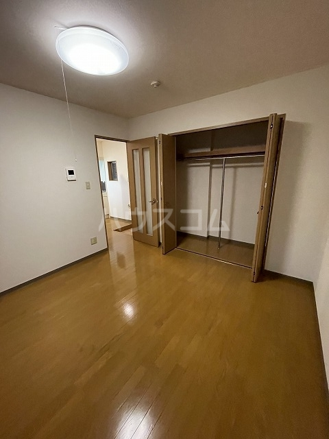 ヴェール大牧 A棟 102号室のリビング