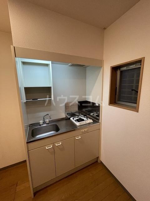 ヴェール大牧 A棟 102号室のキッチン