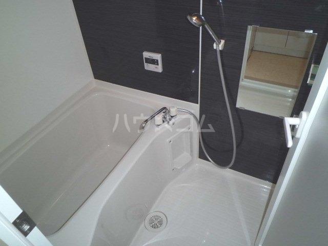 ラフィーネK 102号室の風呂