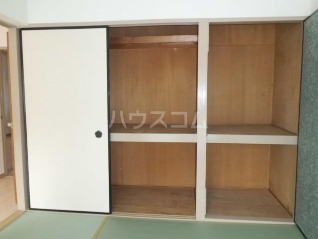 ラフィーネK 102号室の収納