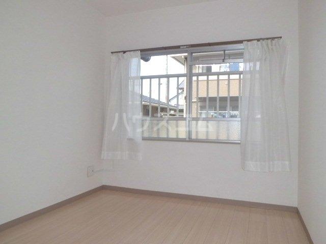 ラフィーネK 102号室のベッドルーム