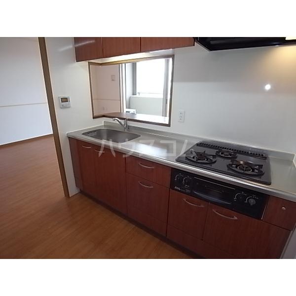 グラン・アベニュー名駅南 610号室のキッチン