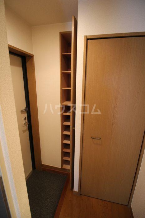 プレシャス天神南 701号室の玄関
