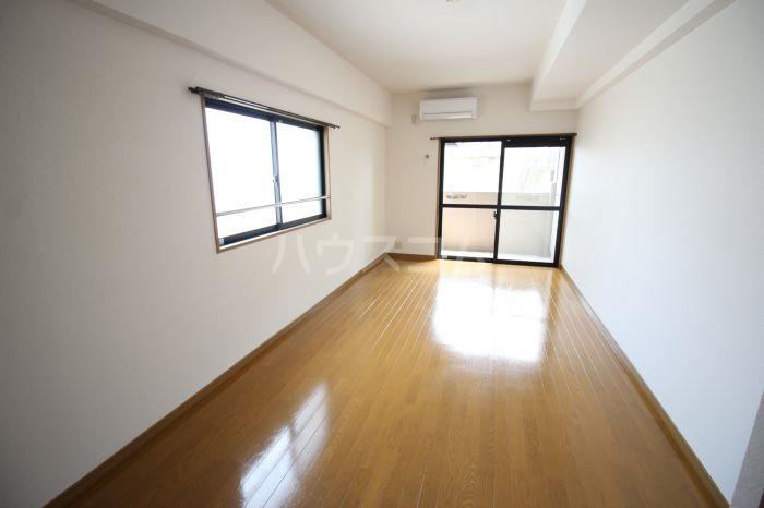 プレシャス天神南 701号室のトイレ