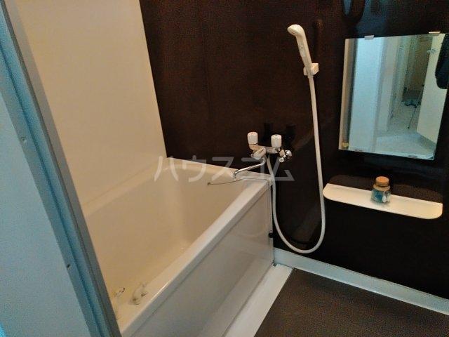セラ若宮 201号室の風呂
