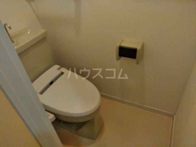 セラ若宮 201号室のトイレ