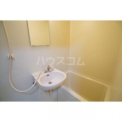 ラプラス坂下2 0107号室の風呂