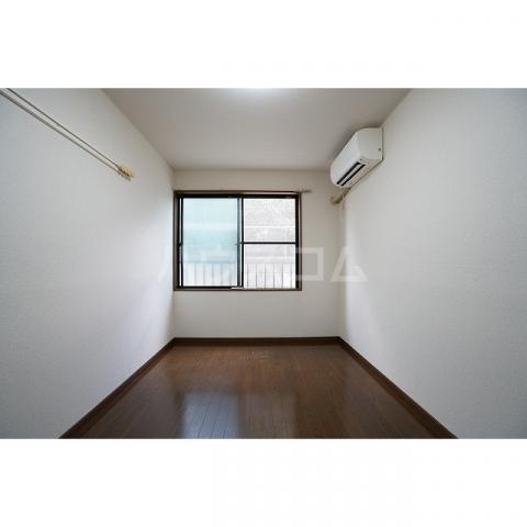 ラプラス坂下2 0107号室の居室