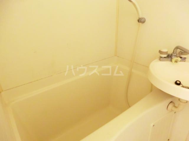 ラ・ヴェール滝野川 105号室の風呂