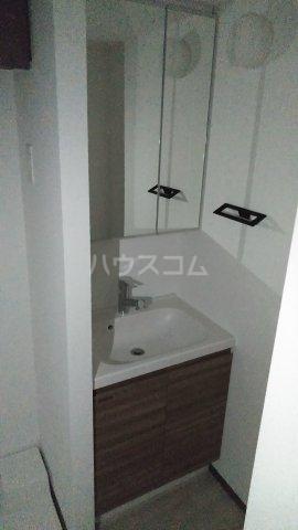 プレセダンヒルズ文京本駒込 701号室の洗面所