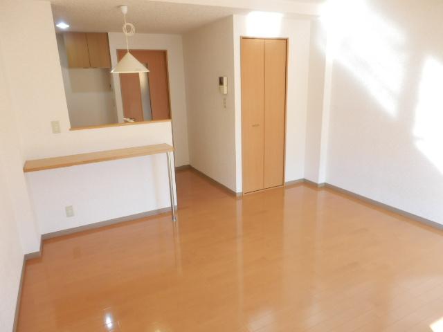 エターナル 303号室の居室
