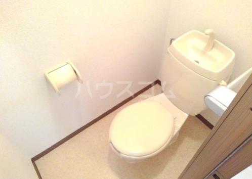 アーバンハイツA 01020号室のトイレ