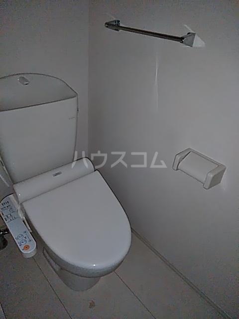 アルシオネ 305号室のトイレ