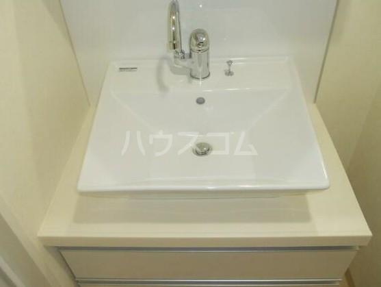 ディアレンス横濱沢渡  403号室の洗面所