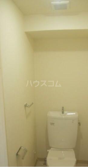 ディアレンス横濱沢渡  403号室のトイレ