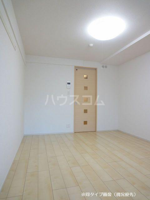 クオーレ メグ 02050号室のリビング