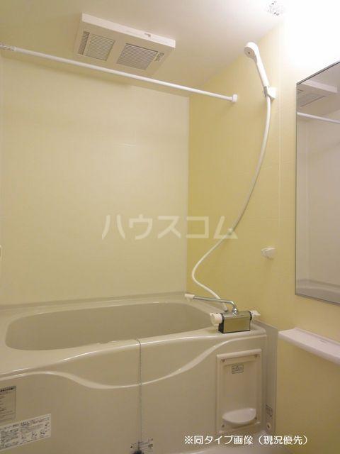 クオーレ メグ 02050号室の風呂