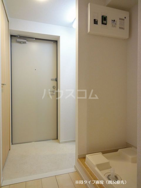 クオーレ メグ 02050号室の玄関