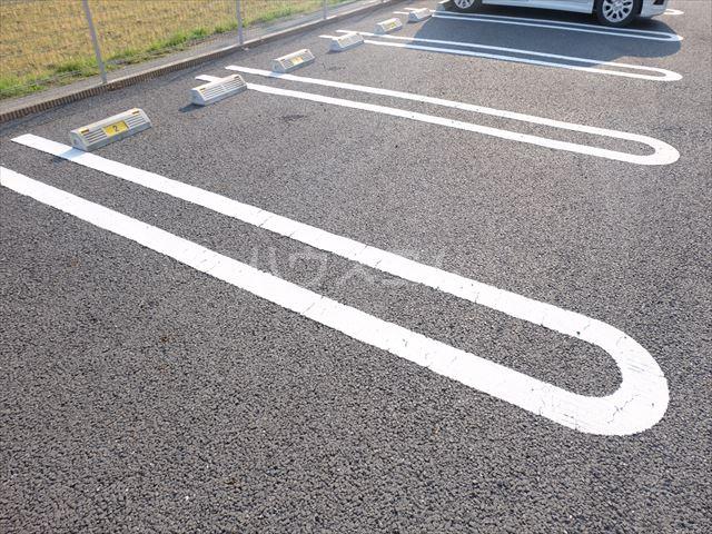 グレイドの駐車場