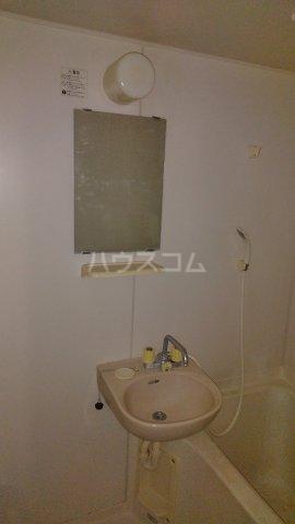 カーサ湘南B 202号室の洗面所