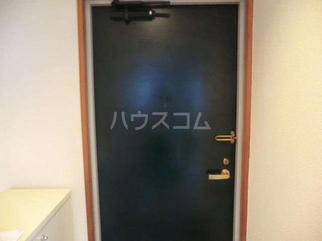 川島ビル 302号室の玄関