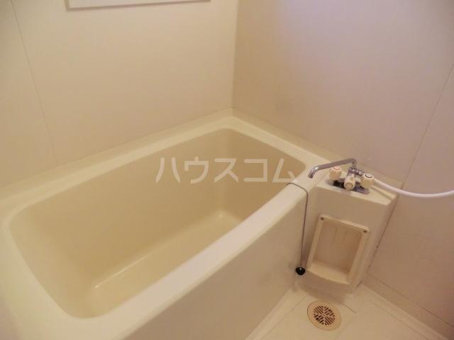 川島ビル 302号室の風呂