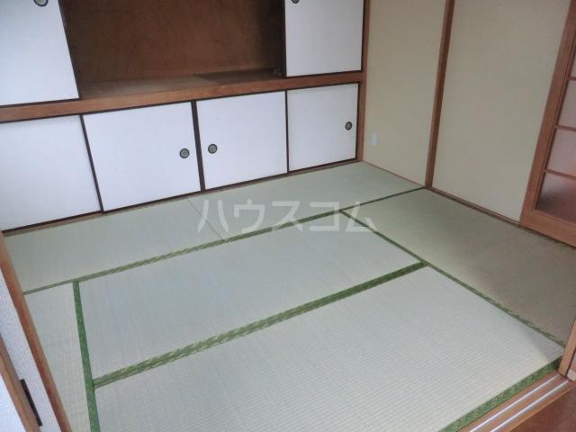 川島ビル 302号室のベッドルーム