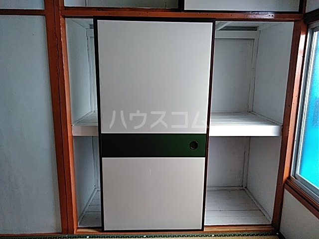 三橋トヨ子アパート 1-6号室の収納