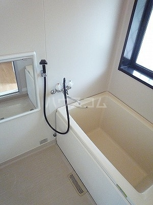 ルネッサンス山本B 204号室の風呂