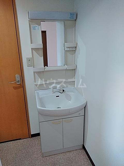ピュアライフうるおい 102号室の洗面所