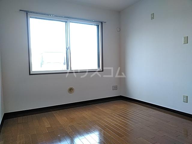 ピュアライフうるおい 102号室の居室