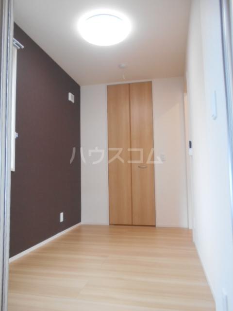 プラティーク安良田 205号室の居室