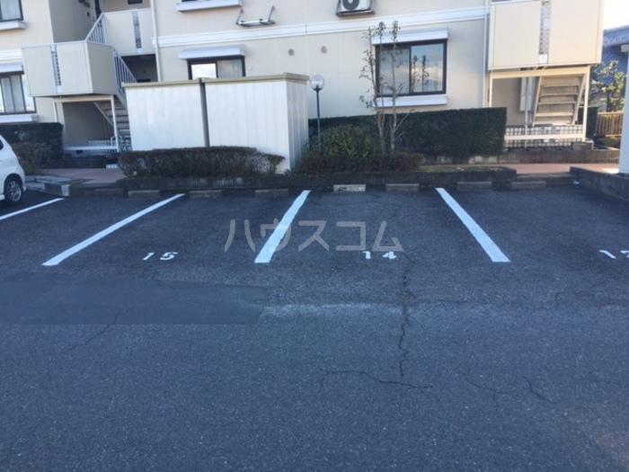 セジュール芝 C103号室の駐車場