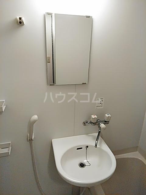 ハイツ上用賀 105号室の洗面所