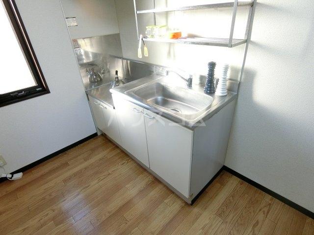 フレグランス長瀬A 101号室のキッチン