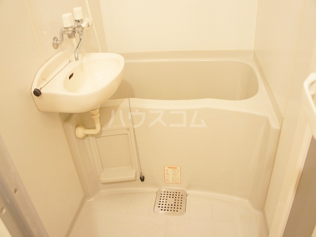 レオパレスKY知光院 205号室の洗面所