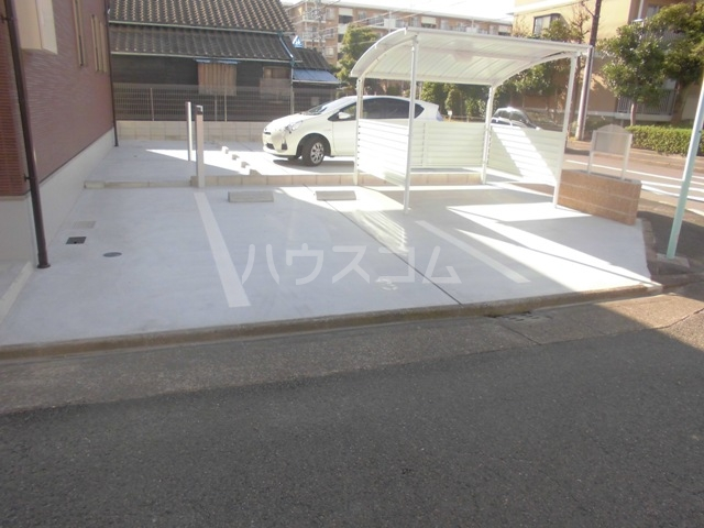 カーサ モラーダの駐車場