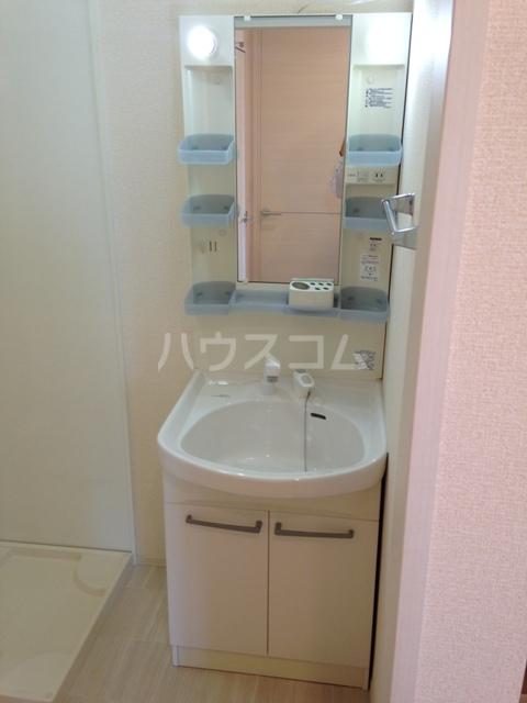 リヴィエール 102号室の洗面所